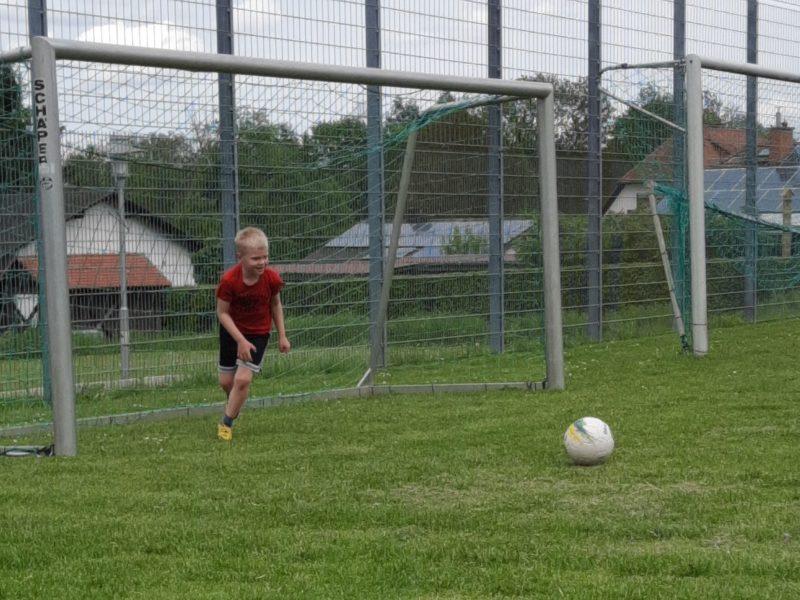 Sportfreunde_Dierbach_Fussball_Bolzplatz_Kicker